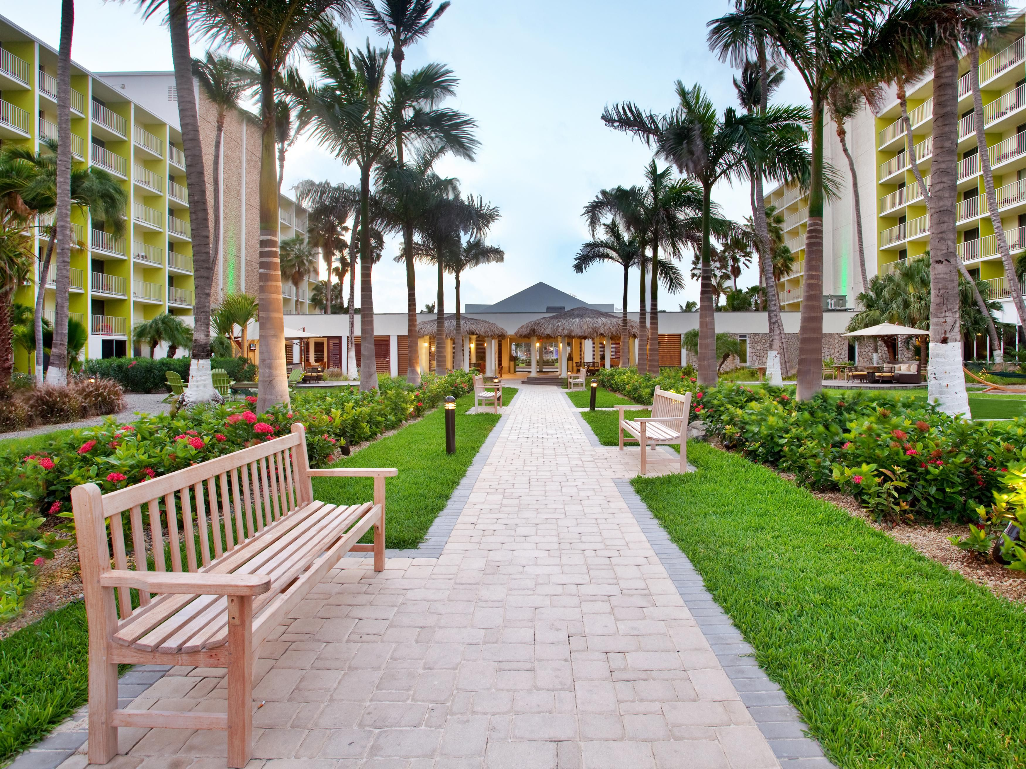 Holiday Inn Resort Aruba Courtyard