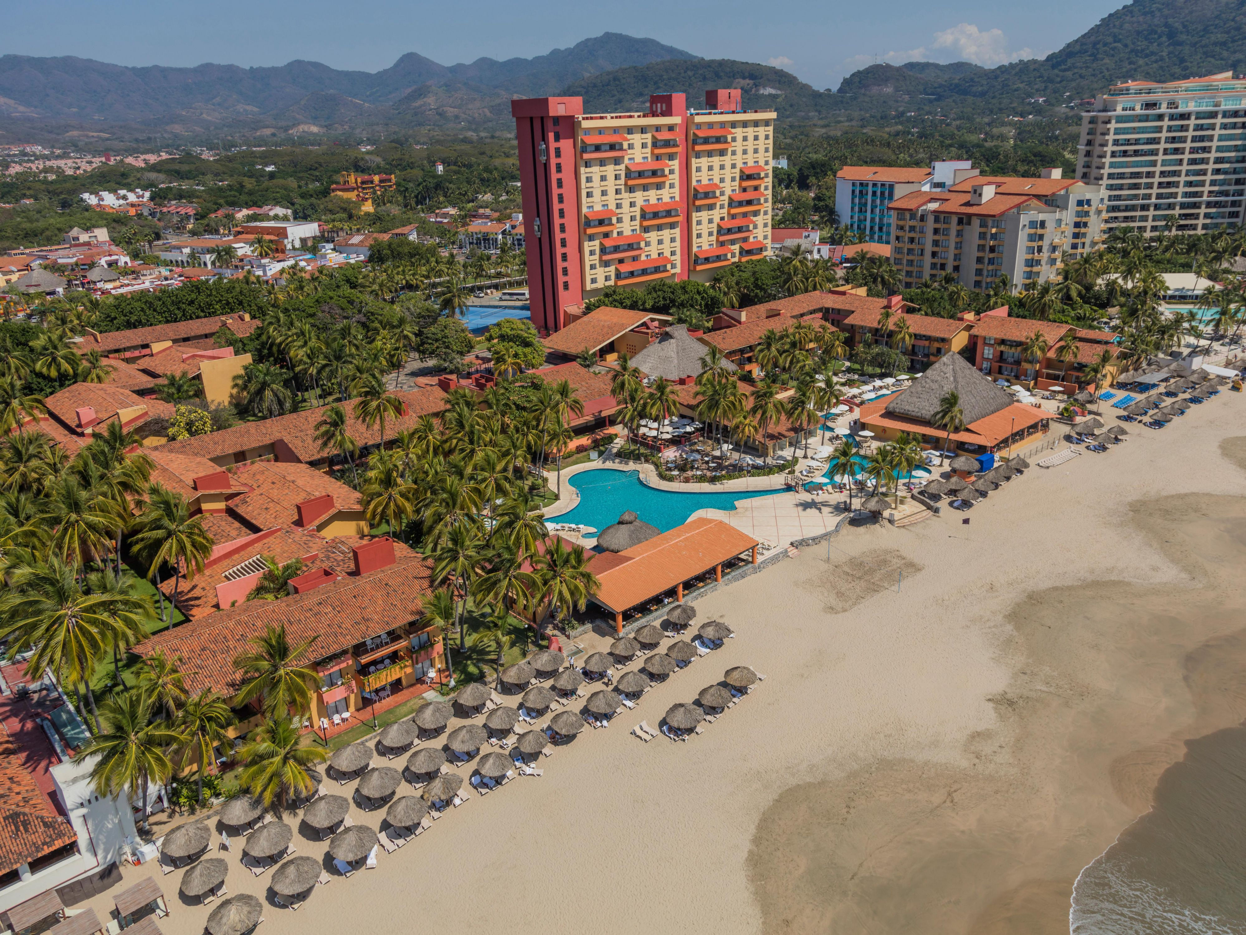 Find Ixtapa Zihuatanejo Hotels Top 1 In Mexico By Ihg