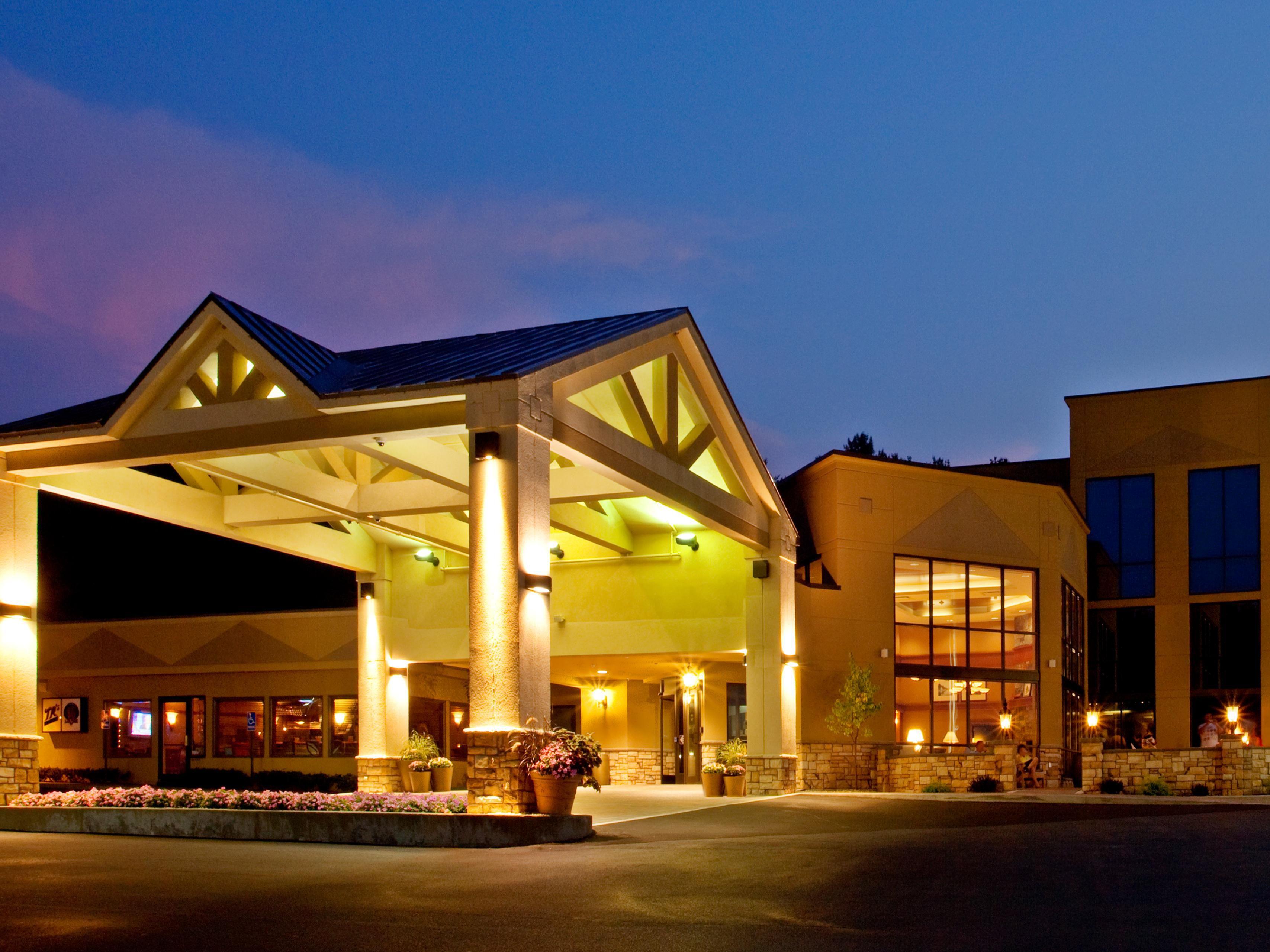 Holiday Inn Resort Lake GeorgeTurf Hotel by IHG