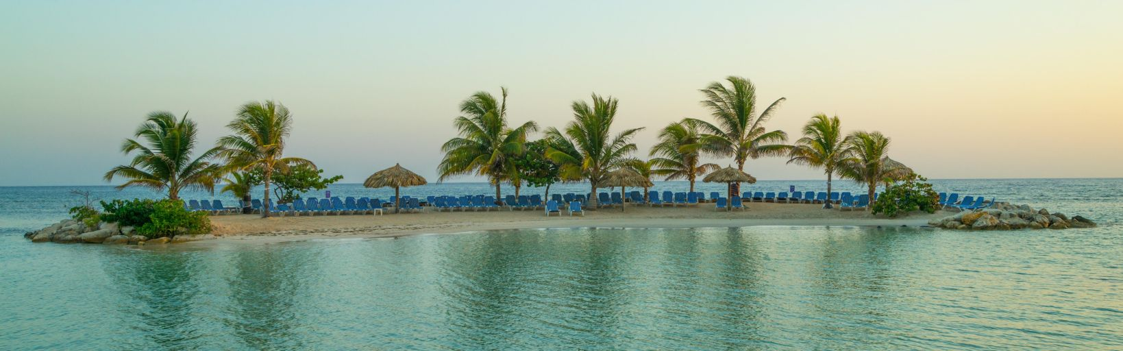 Holiday Inn Resort Montego Bay All-Inclusive - Free Internet & More