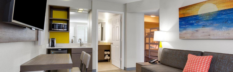 holiday inn resort orlando suites  waterpark hotel by ihg, Bedroom designs