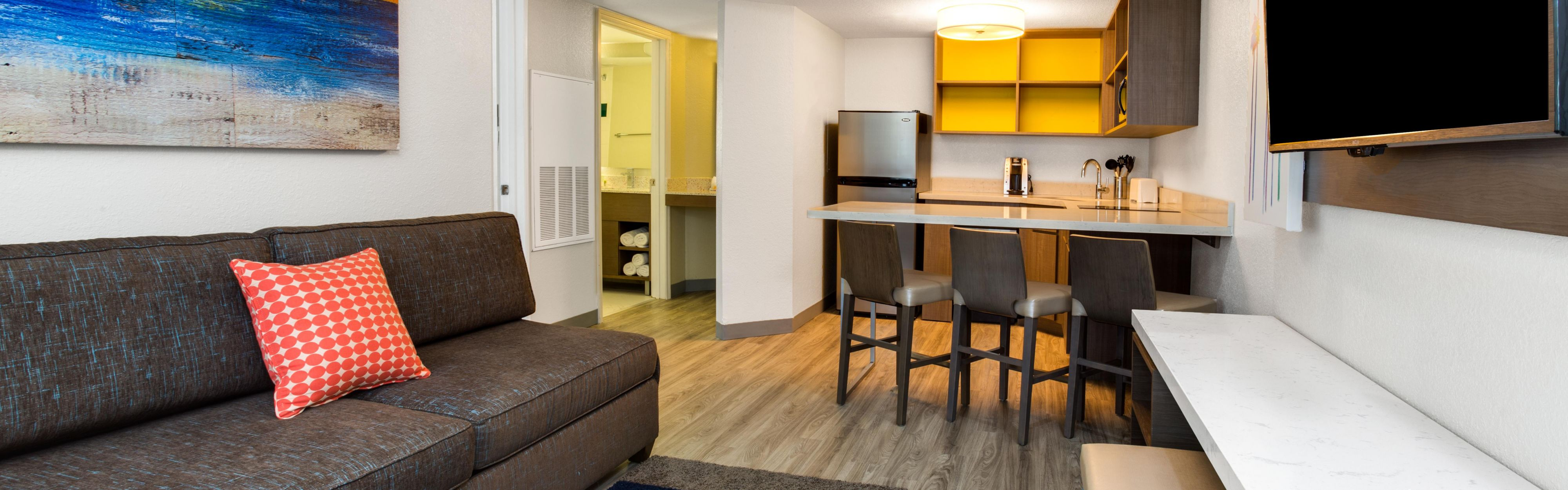 Nice ... Enjoy A 1 Bedroom Suite Full Kitchen On An Orlando Family Vacation ...