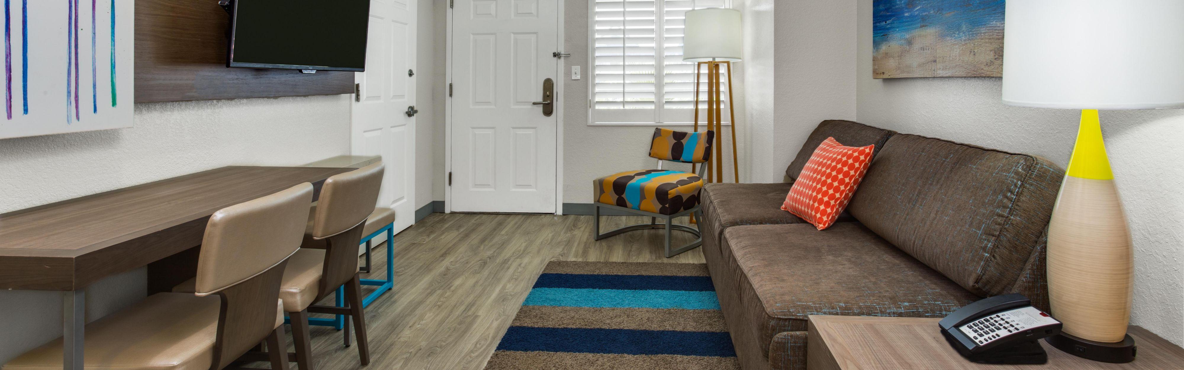 One Bedroom Suites In Orlando 2 Bedroom Suites In Orlando Florida Near Seaworld Check Room