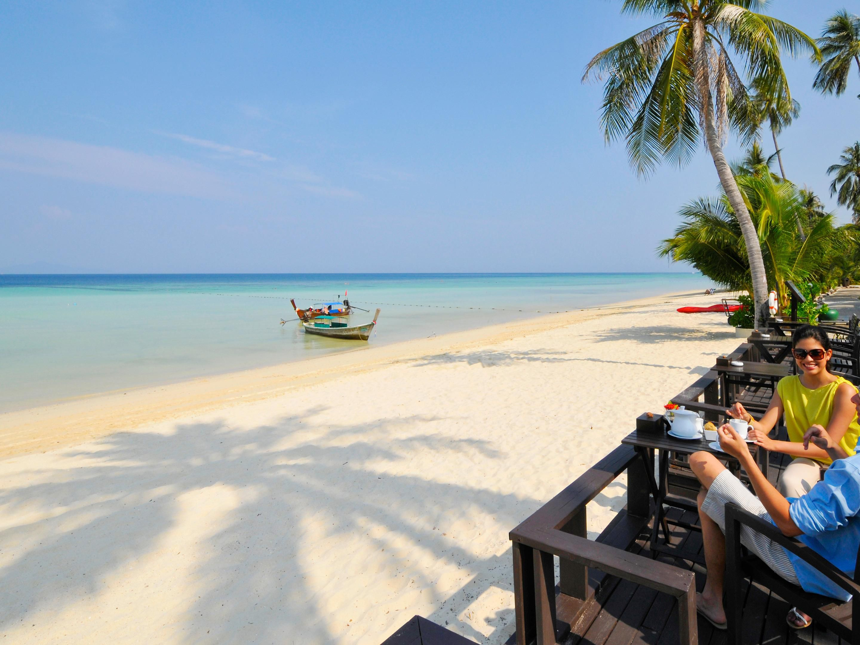 Phi Phi Beach Hotel And Island Resort