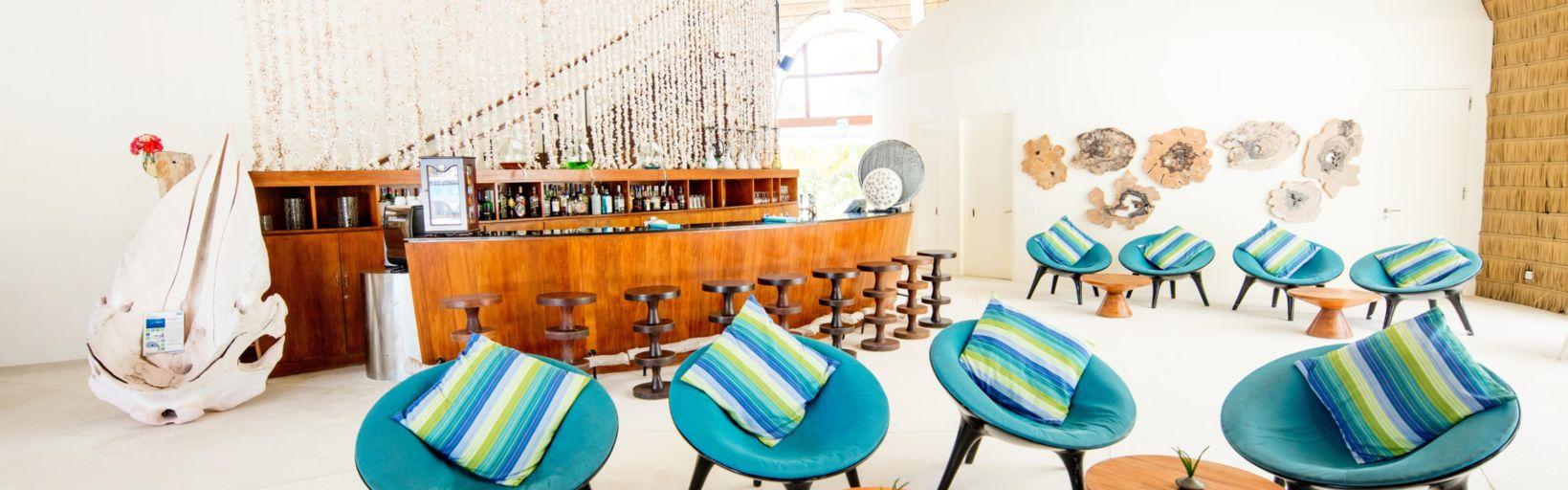 Holiday Inn Resort Kandooma Maldive - Prenota il tuo soggiorno a ...