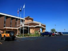 Holiday Inn Resort West Bay Beach in Acme, Michigan