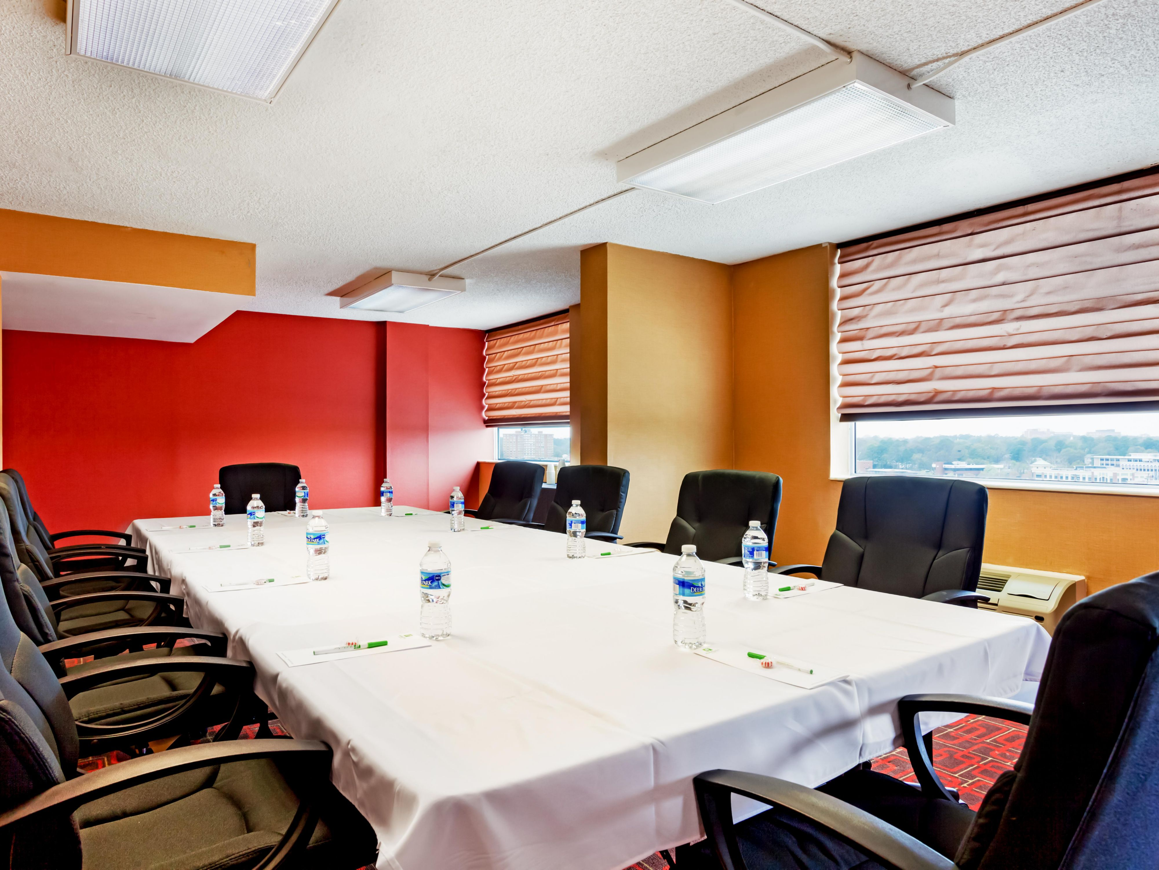 Boardroom great for a last minute meeting