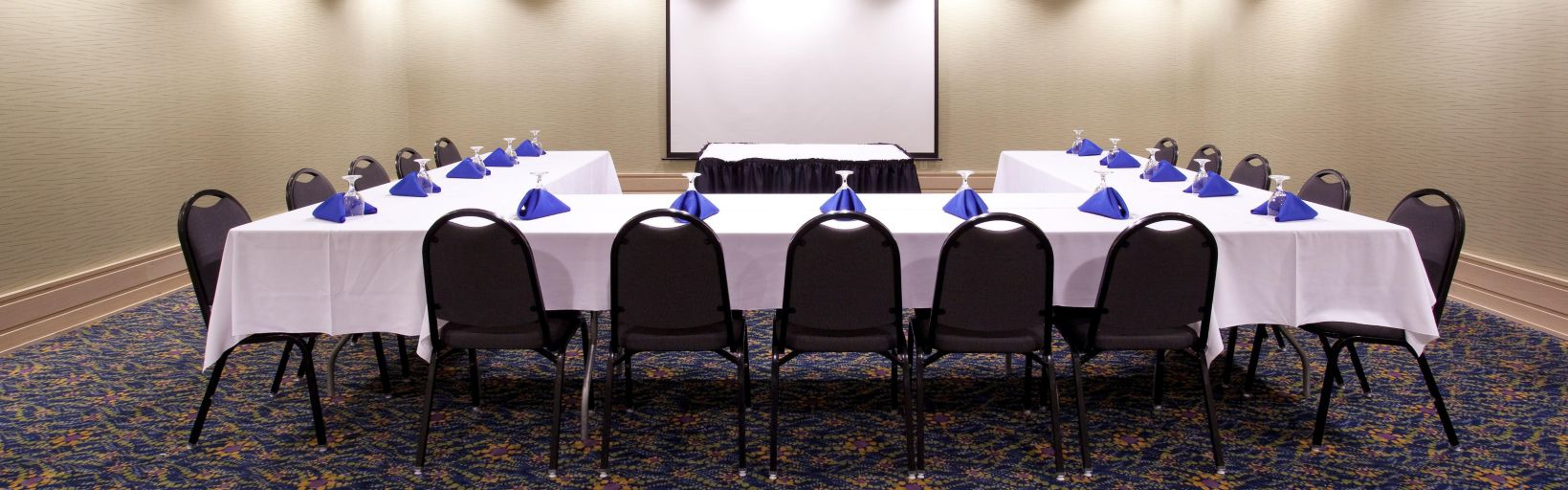 Pilot E Room Is Perfect For Small Meetings Or A Break Out