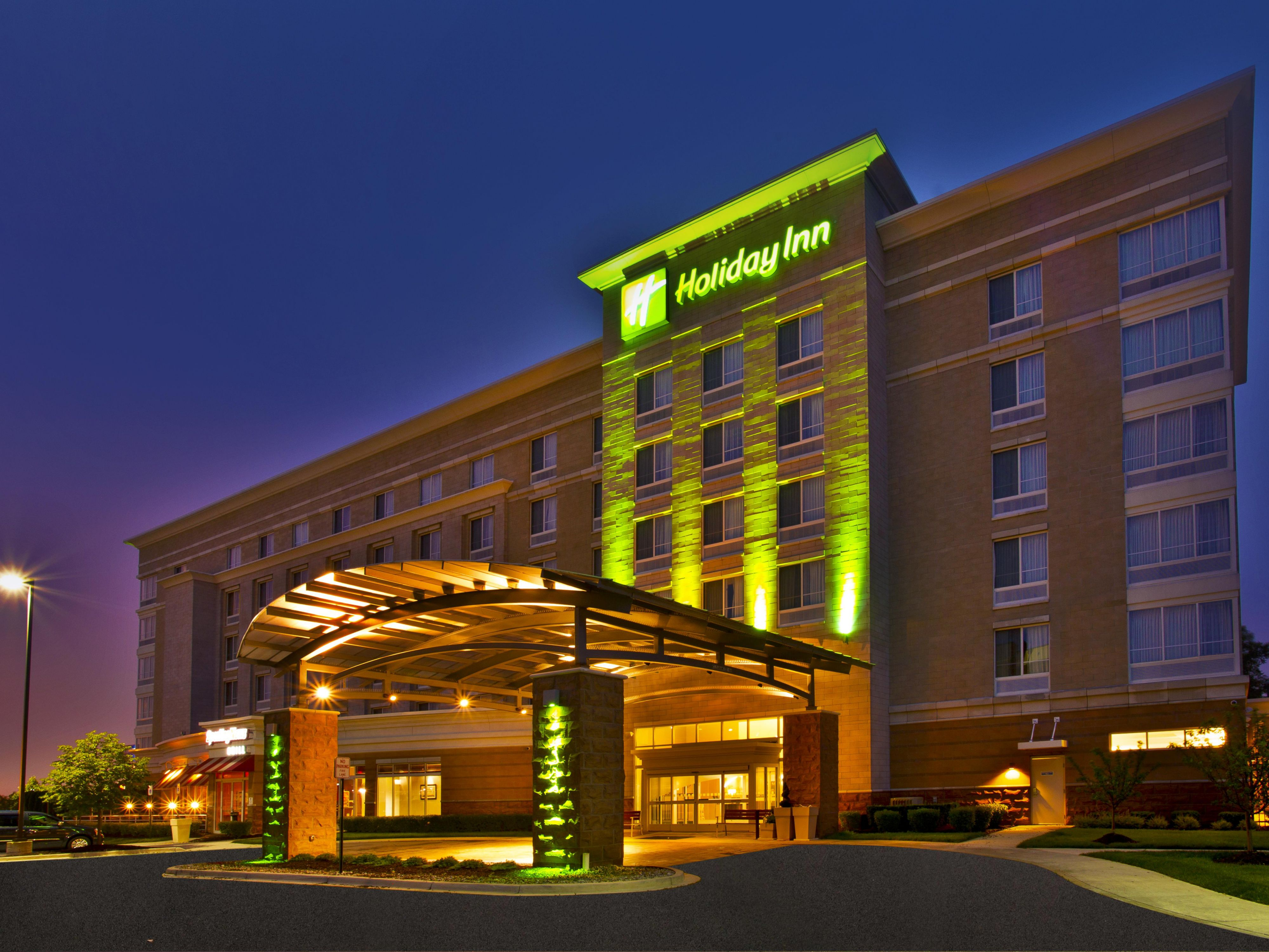 Hotels Near Romulus Mi