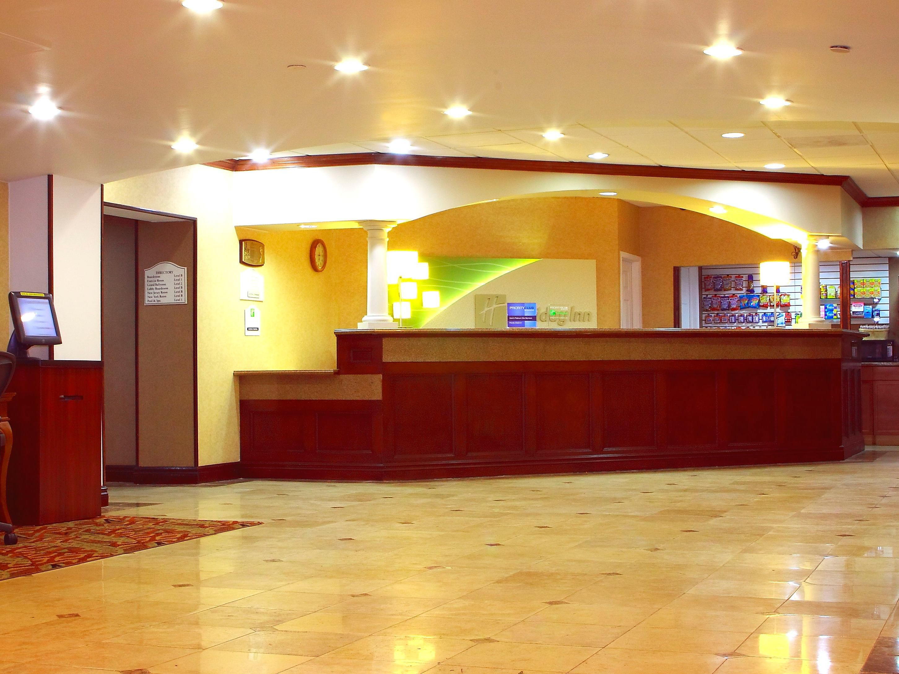 Holiday Inn Saddle Brook Hotel Lobby
