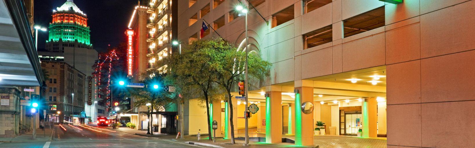 Holiday Inn San Antonio-Riverwalk Hotel by IHG
