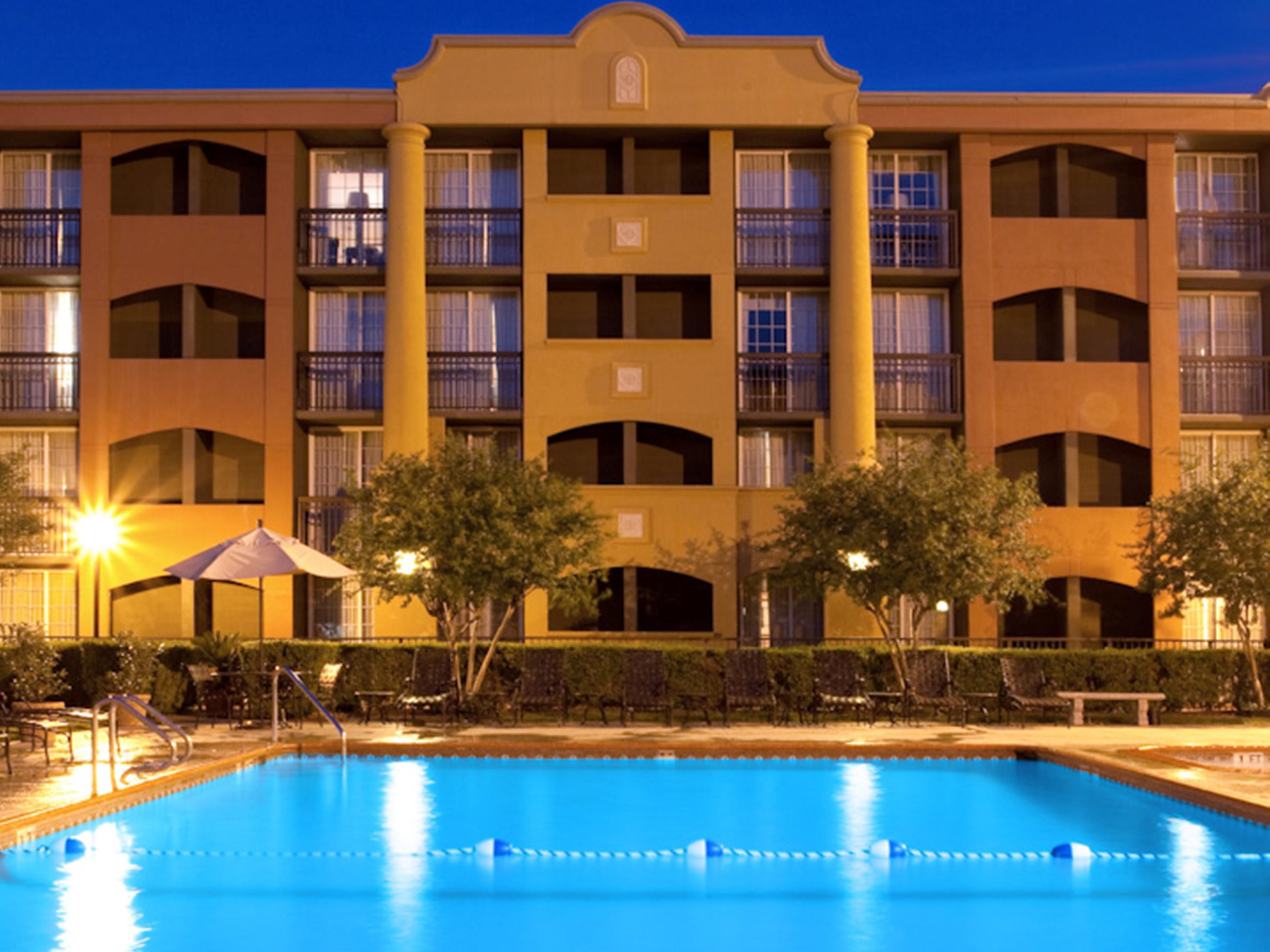 One of San Antonio's Largest Hotel Swimming Pools