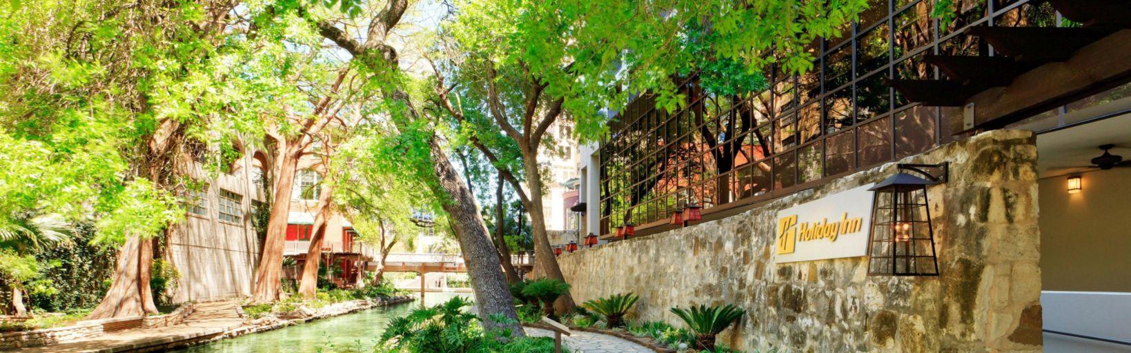 holiday inn san antonio riverwalk ihgのホテル