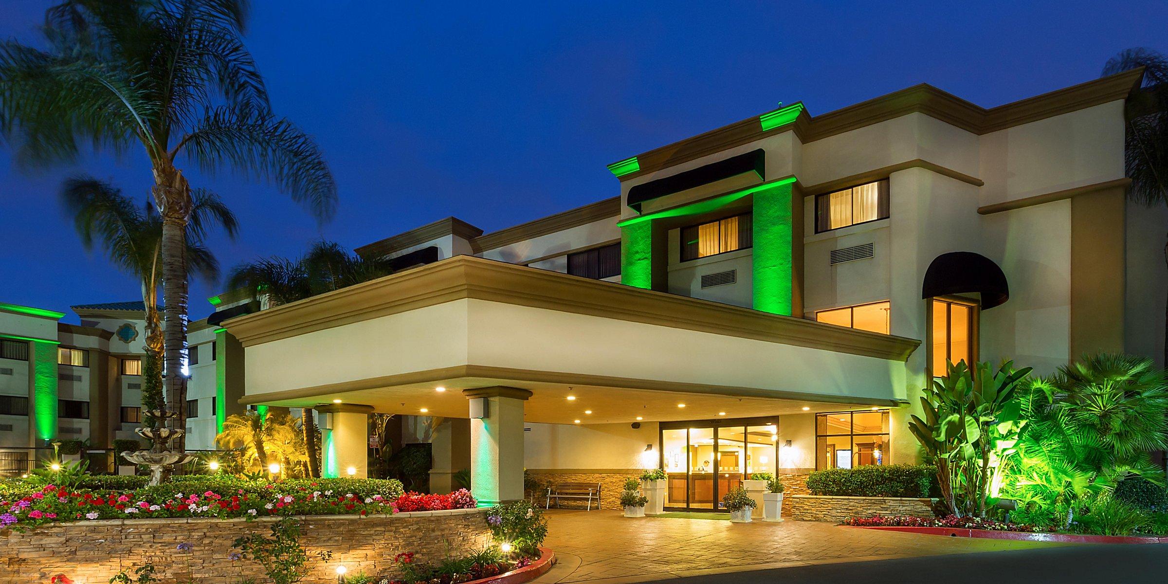Hotels near John Wayne Airport (SNA) | Holiday Inn Santa Ana