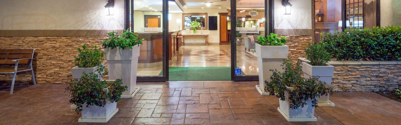 Holiday Inn Santa Ana-Orange Co. Arpt Hotel by IHG