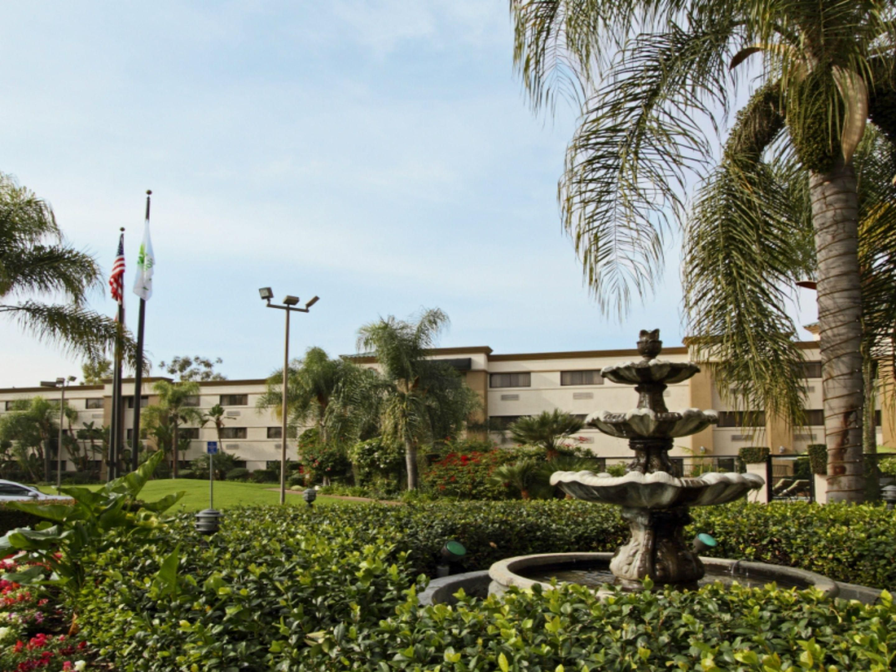 Enjoy our tranquil landscapes at the Holiday Inn OC Airport.