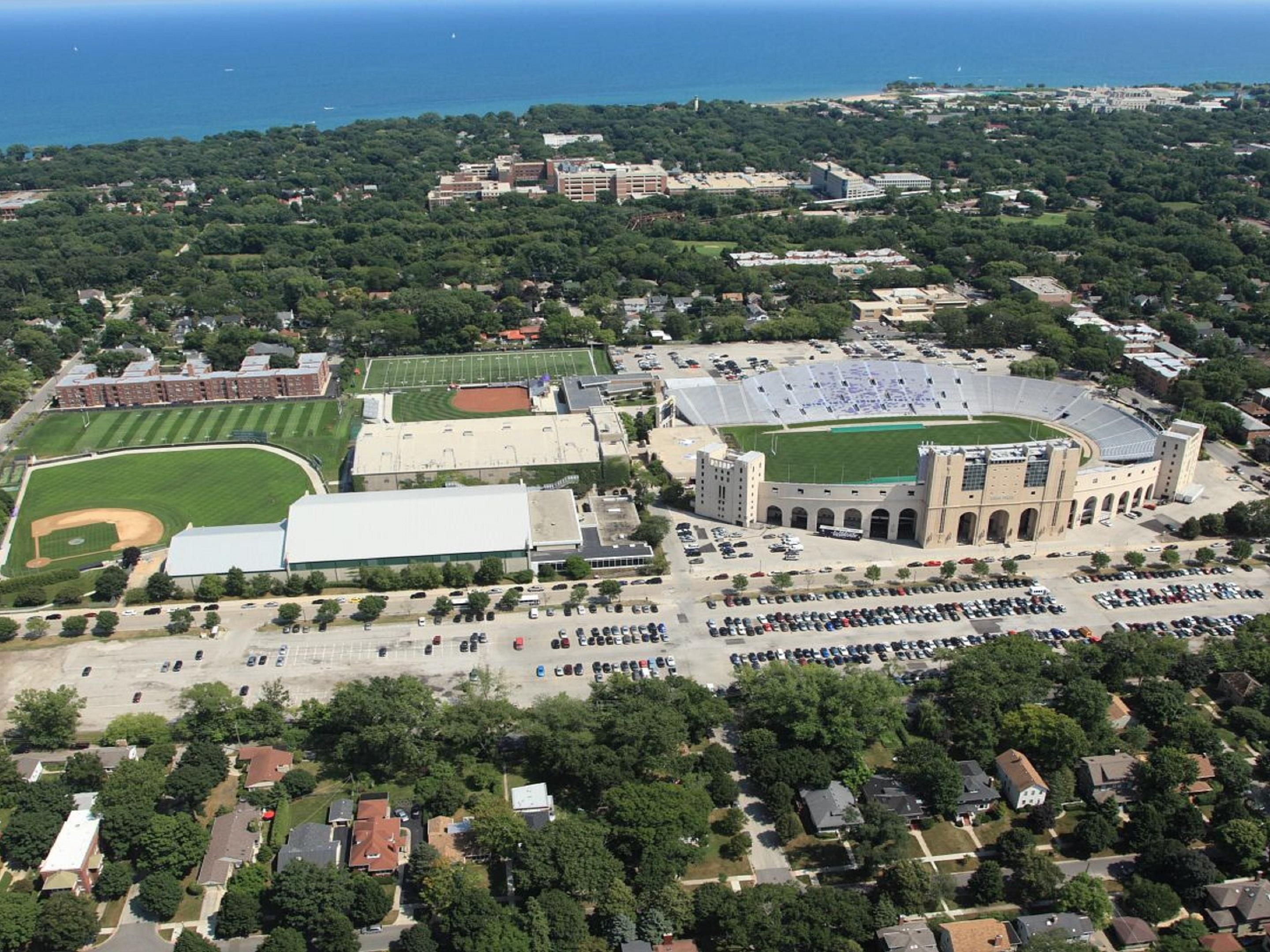 Holiday Inn Skokie Hotel Northwestern University Ryan Field