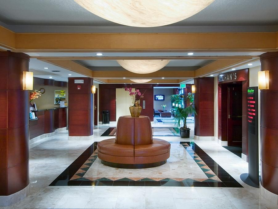 San Francisco Airport Hotel guest lobby