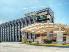 Holiday Inn Airport West Earth City in Bridgeton, Missouri
