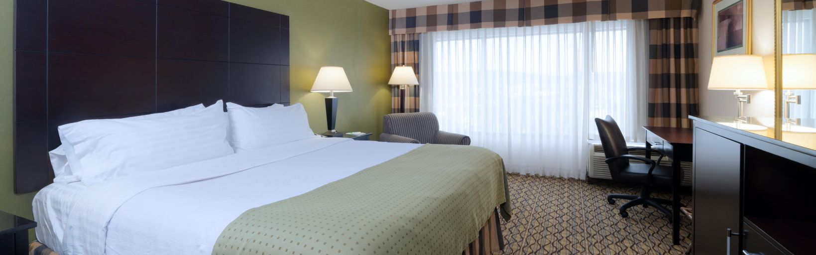 Holiday Inn Totowa Wayne - Room Pictures & Amenities