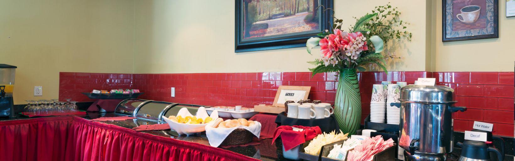 holiday inn totowa ruby lounge