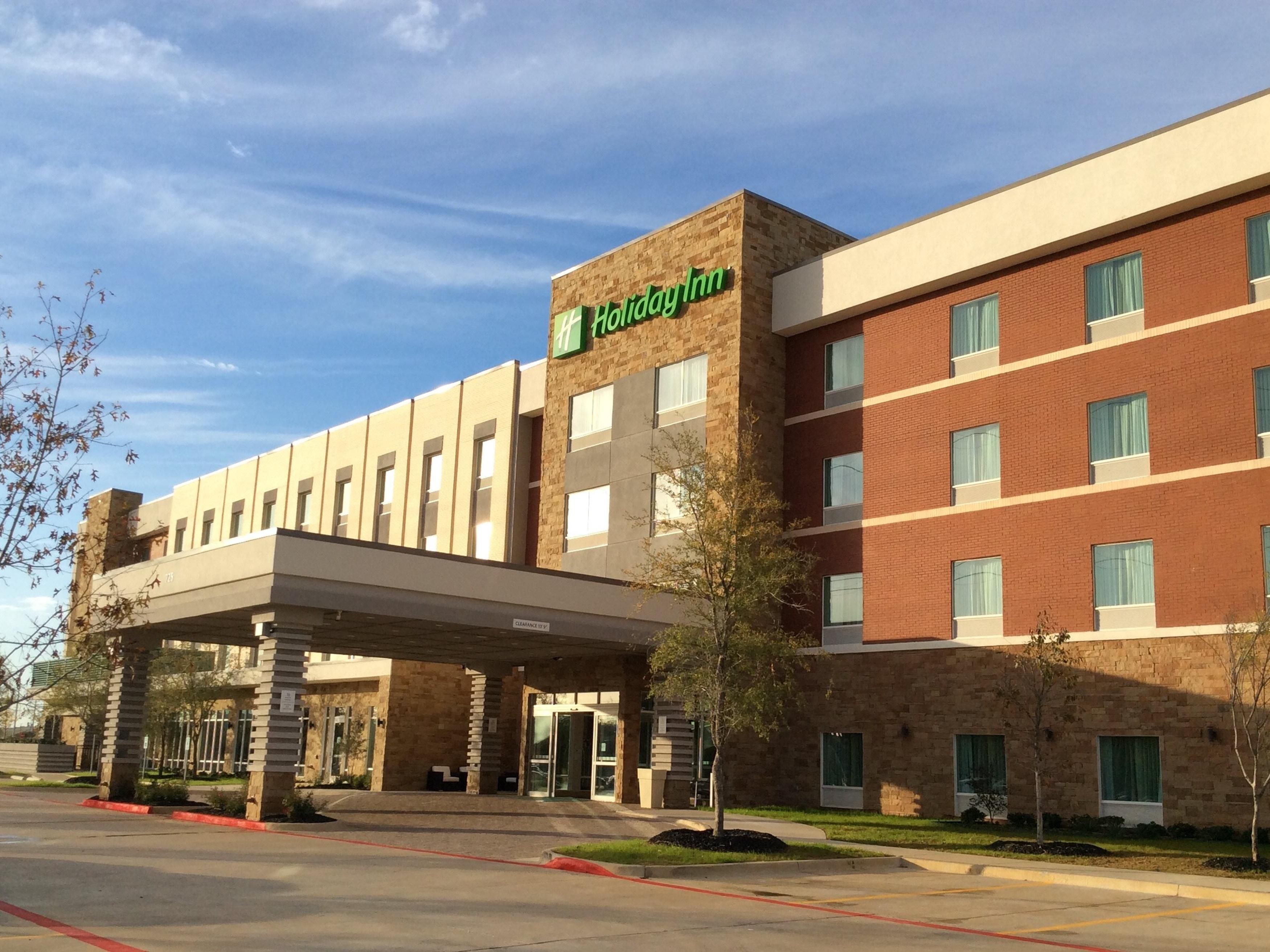 Find Addison Hotels | Top 70 Hotels in Addison, TX by IHG