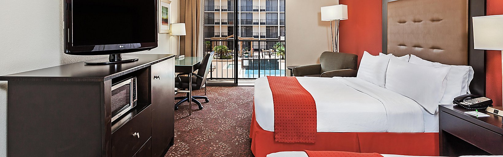 Tremendous Holiday Inn Tyler South Broadway Room Pictures Amenities Machost Co Dining Chair Design Ideas Machostcouk