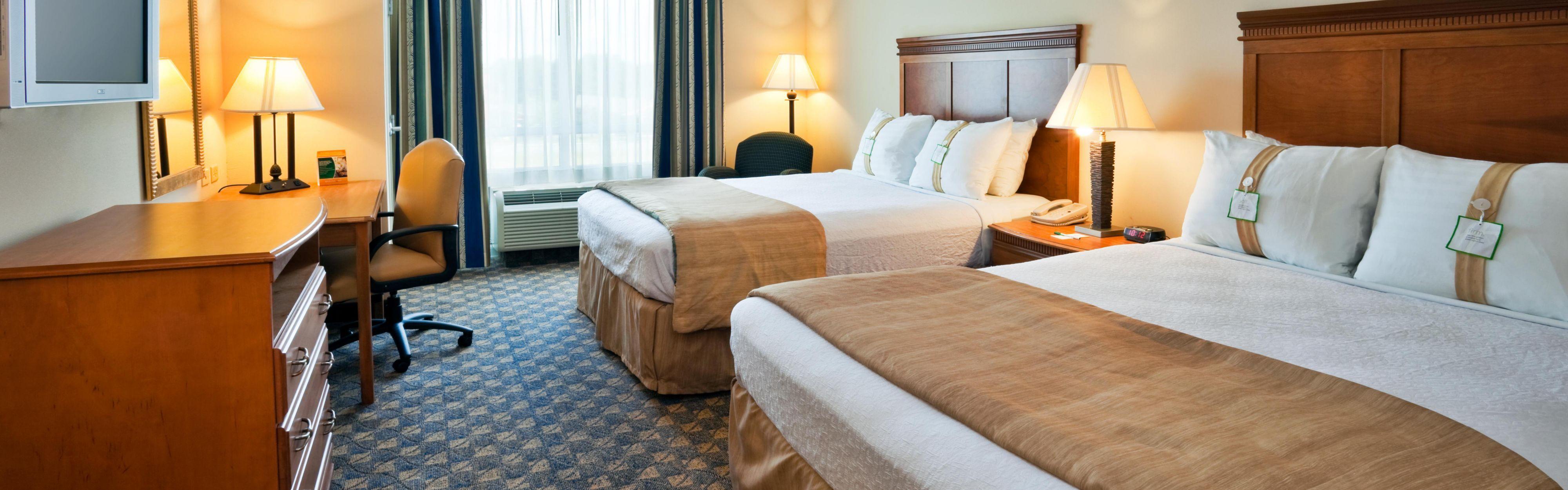 ... Valdosta, GA Holiday Inn Oversized Queen Bed Guest Room ...