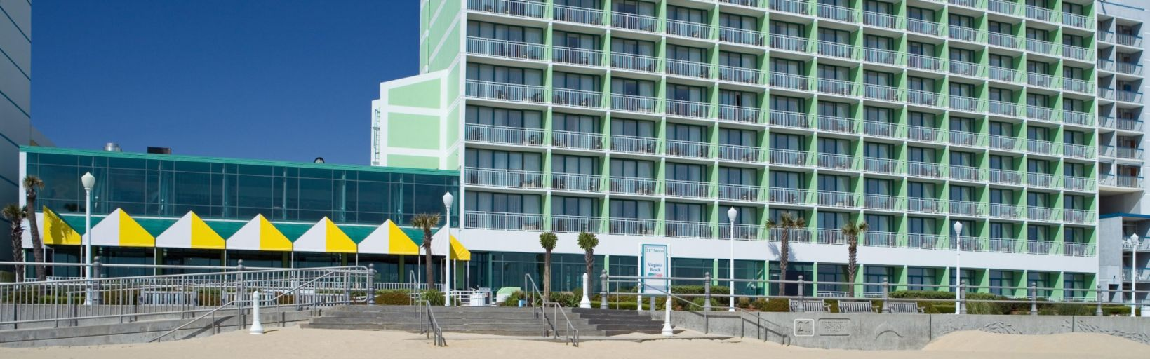 Beach View Welcome To The Holiday Inn Oceanside Breathtaking Views Of Atlantic Ocean Enjoy Virginia
