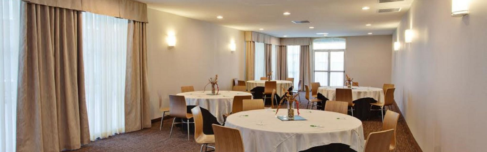Holiday Inn West Covina Hotels Events Facilities