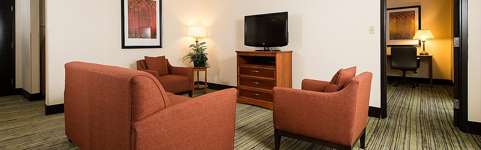 Holiday Inn Wilmington-Market St  - Room Pictures & Amenities