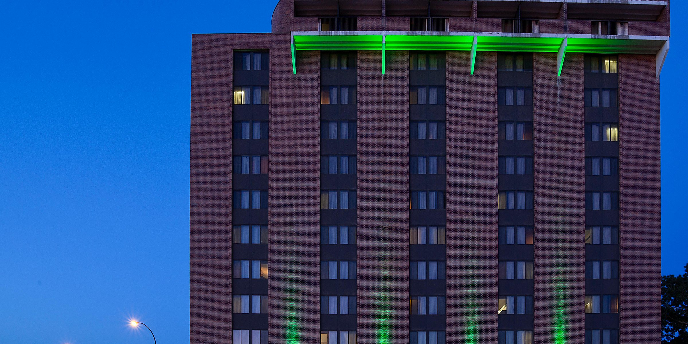 Holiday Inn Winnipeg - Airport West Hotel by IHG