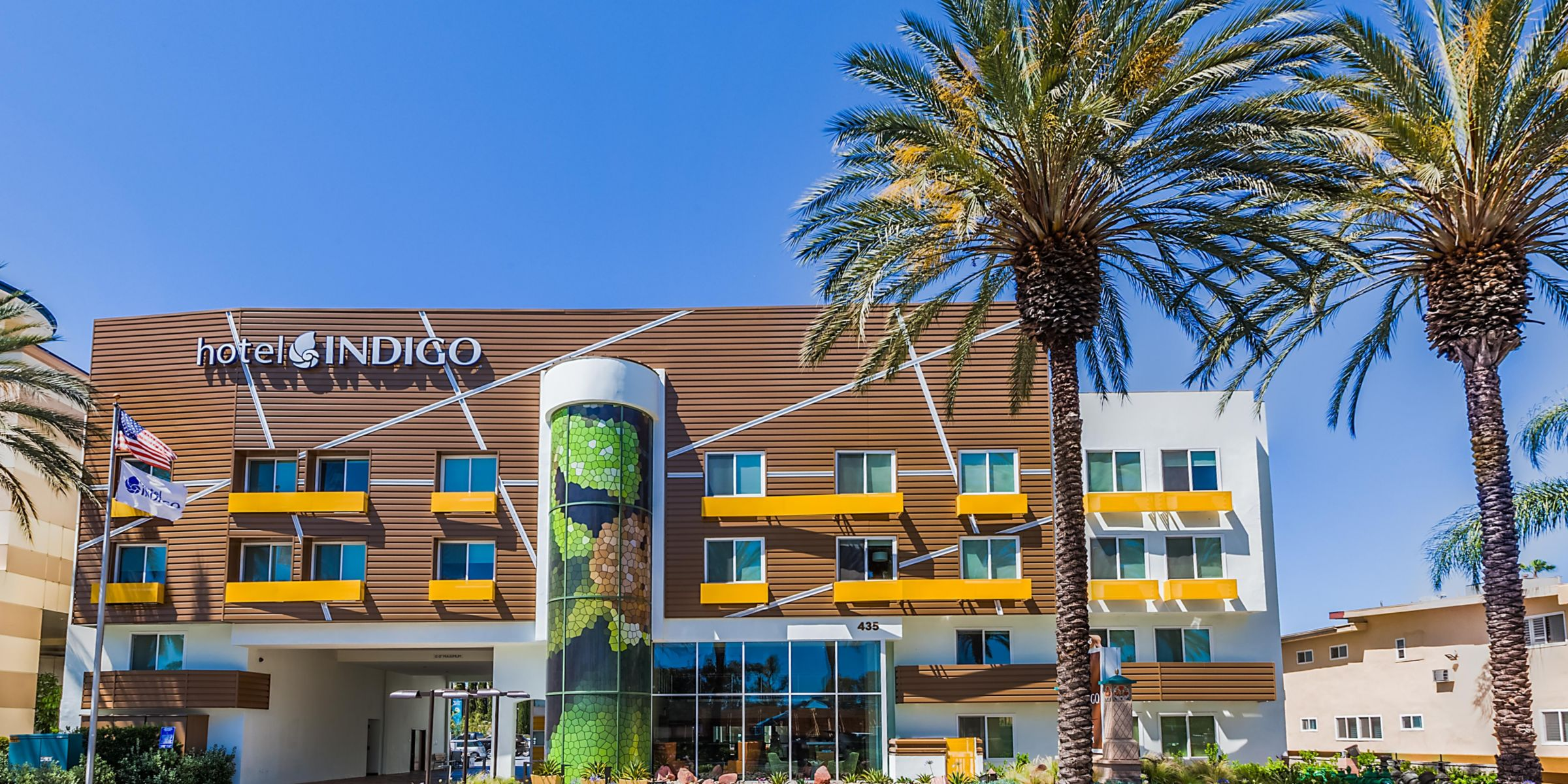 Hotel Indigo Anaheim Is A Short 15 Minute Walk To Disneyland