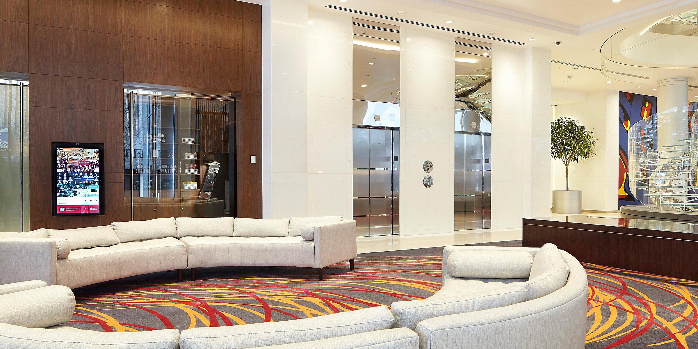 Pet Friendly Hotels Downtown Atlanta Ga Hotel Indigo