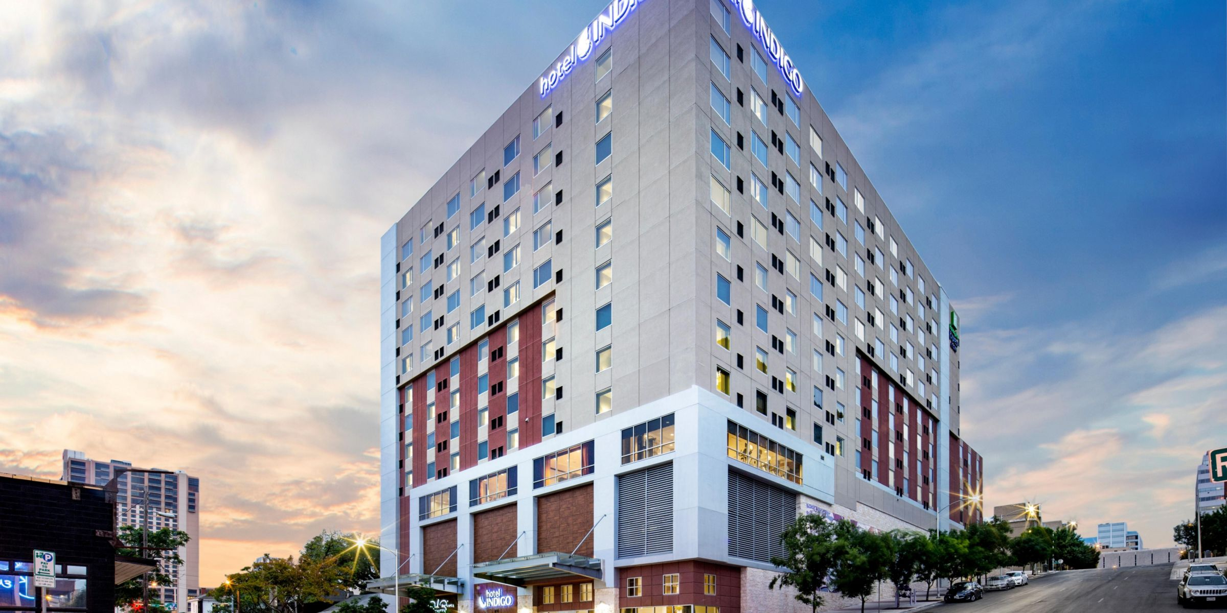 Austin Hotel: Hotel Indigo Austin, TX Downtown - University Hotel