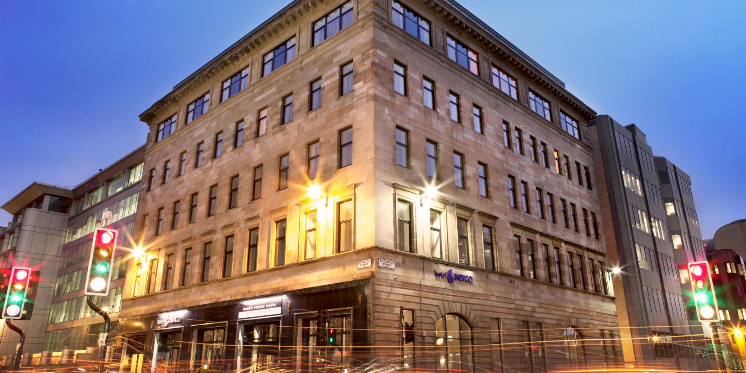 Hotel Indigo Enjoys A Peaceful Location At Night Glasgow