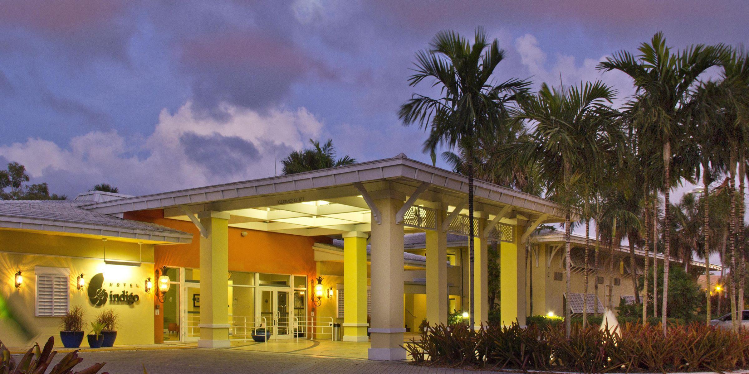 Entrance Hotel Lobby