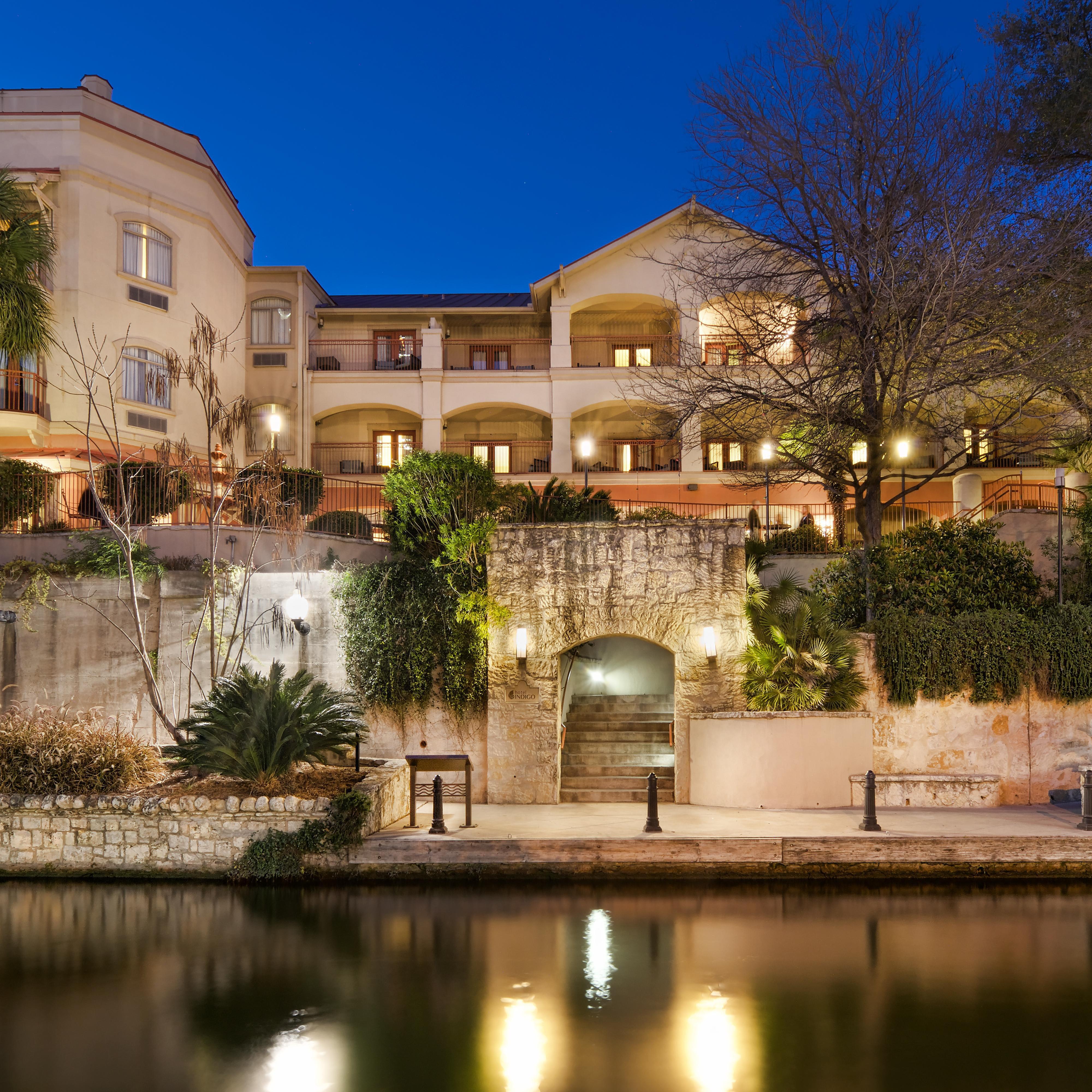 Hotels In San Antonio >> San Antonio Riverwalk Hotel Hotel Indigo San Antonio Ihg