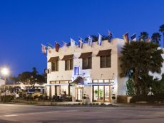 Hotel Indigo Santa Barbara in Carpinteria, California