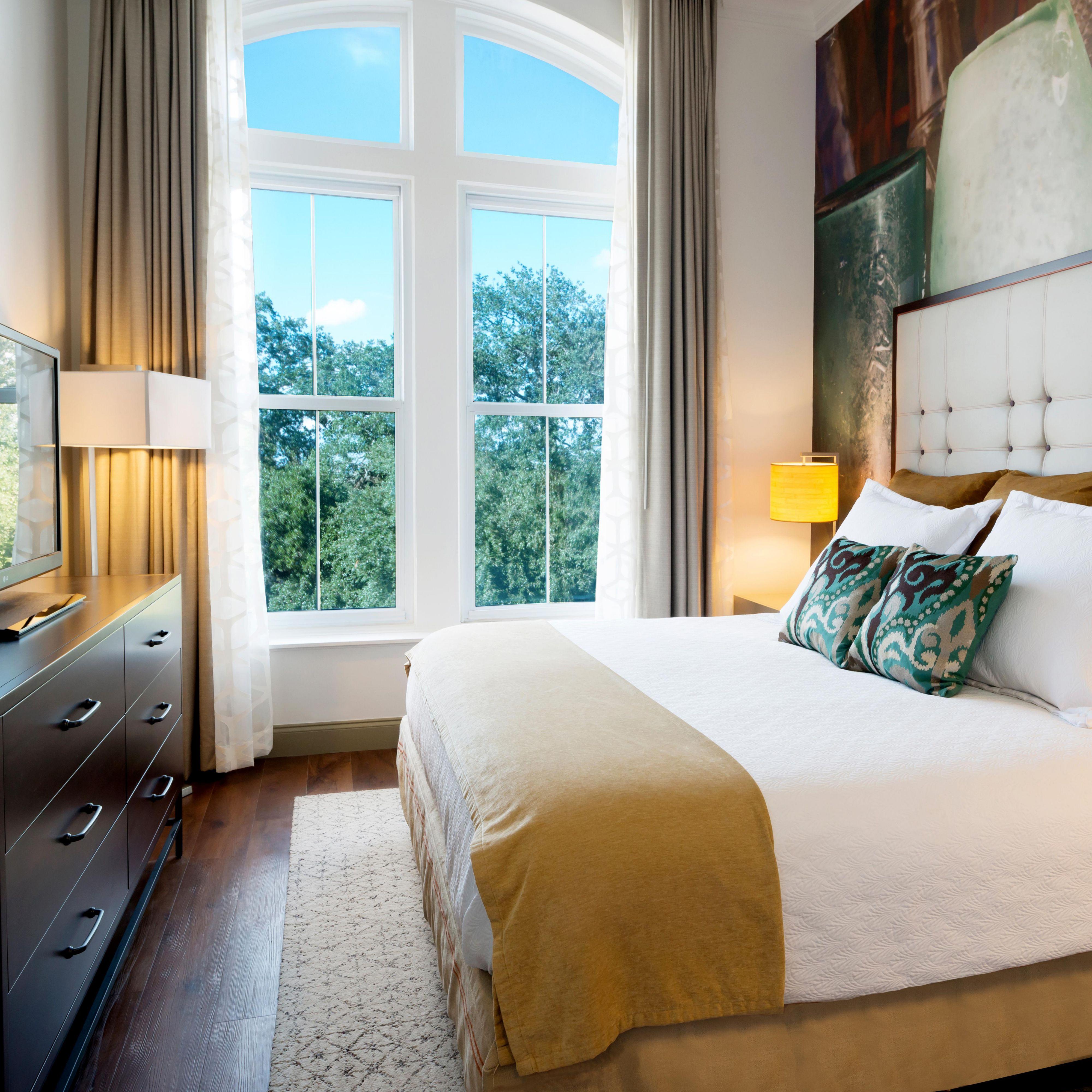Savannah Hotels: Hotel Indigo Savannah Historic District Hotel in ...