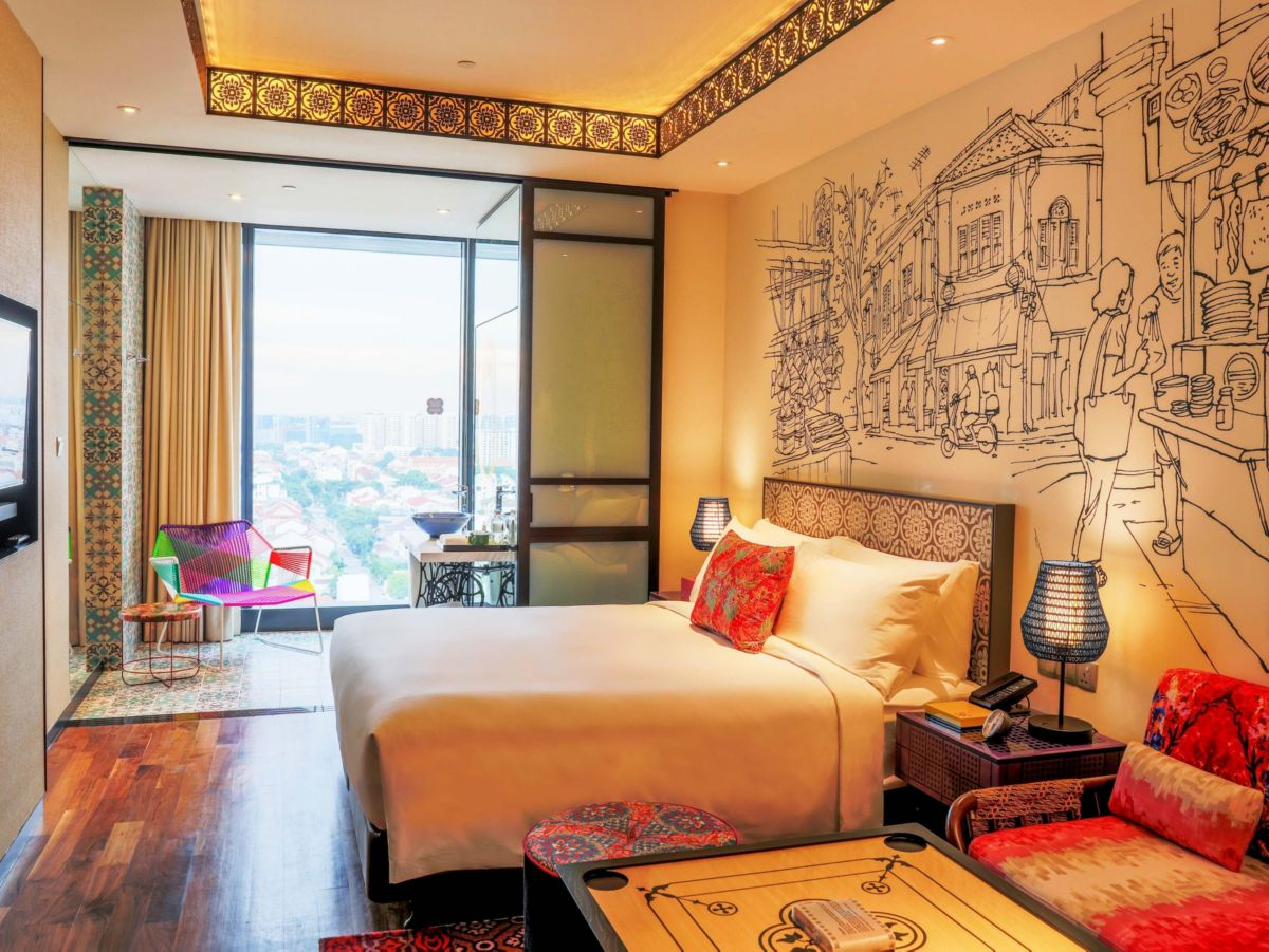 Guestrooms feature contemporary design with use of vibrant colours