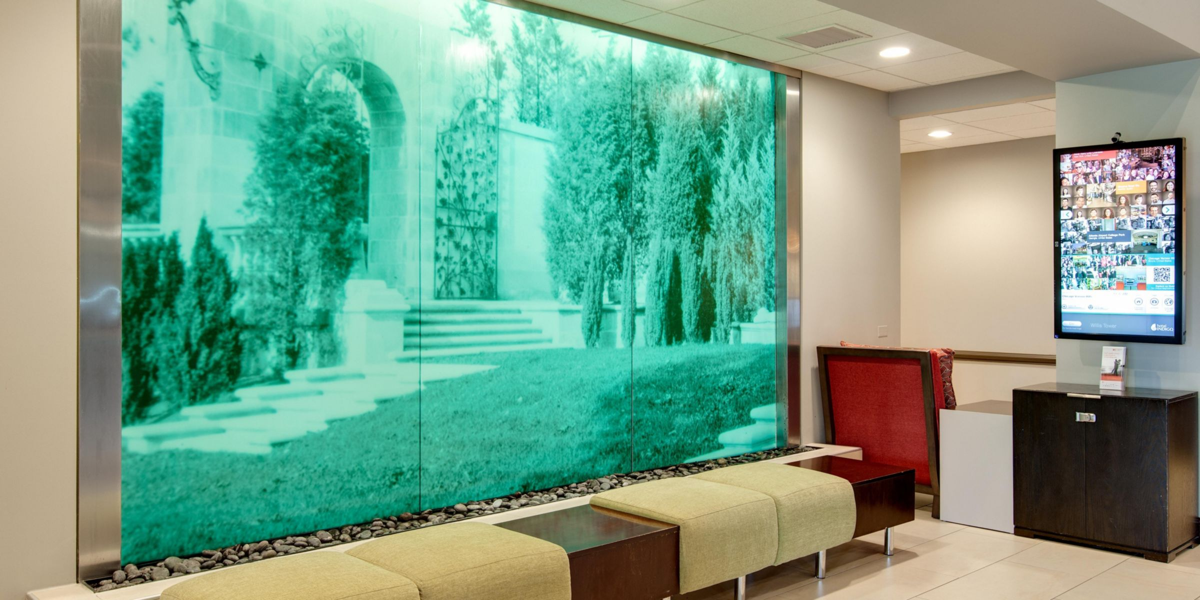 Front Desk Hotel Exterior Lobby Soothing Water Fall