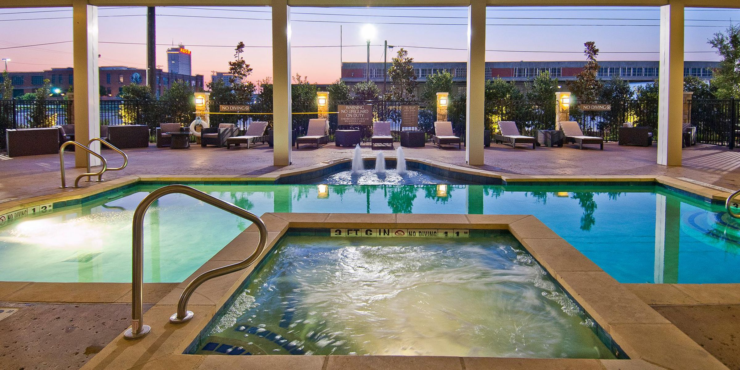 Pool at Hotel Indigo Waco-Baylor. #hotelindigo #waco #pool