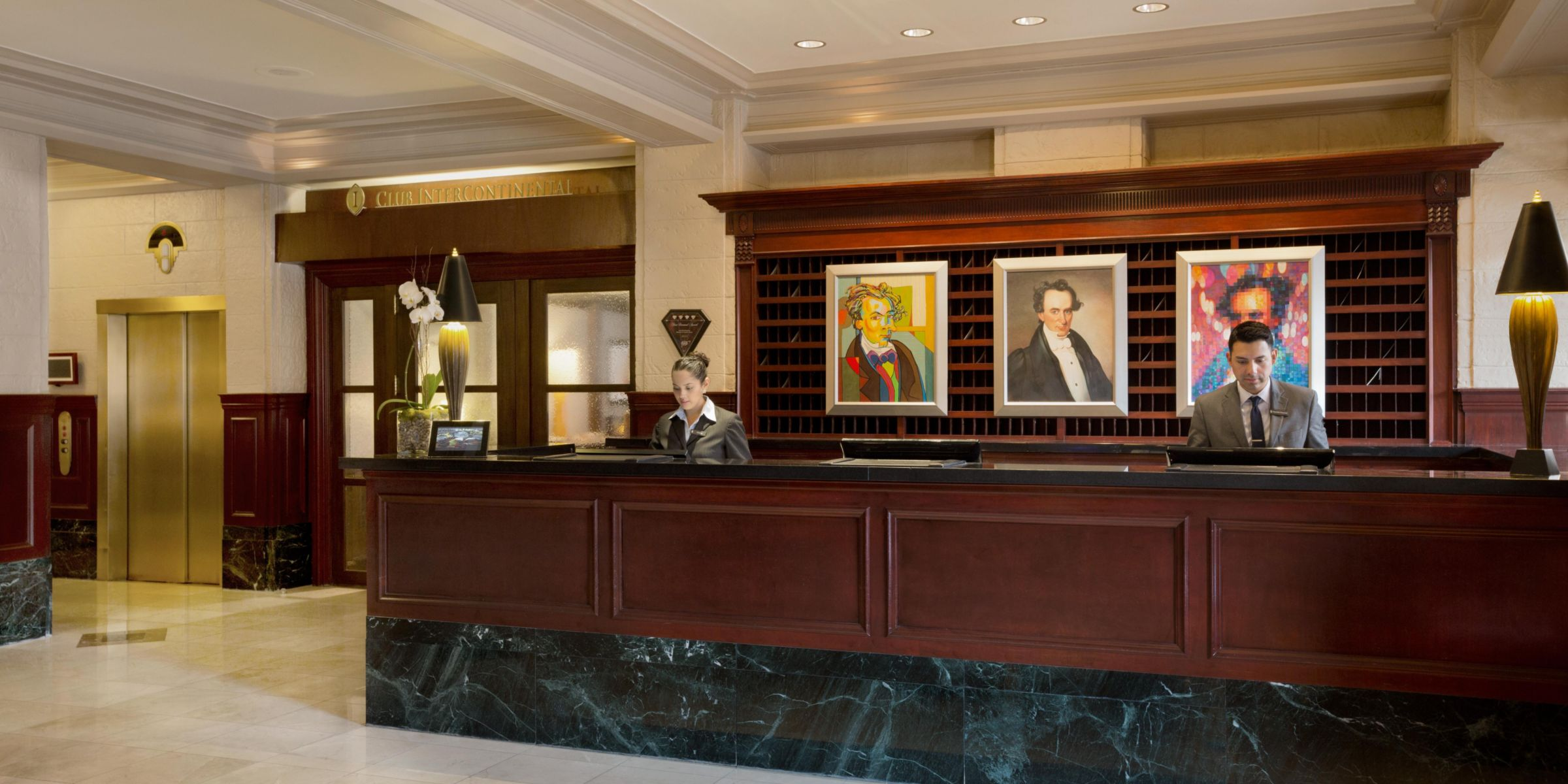 Concierge Welcome Desk Entrance Front Hotel Exterior