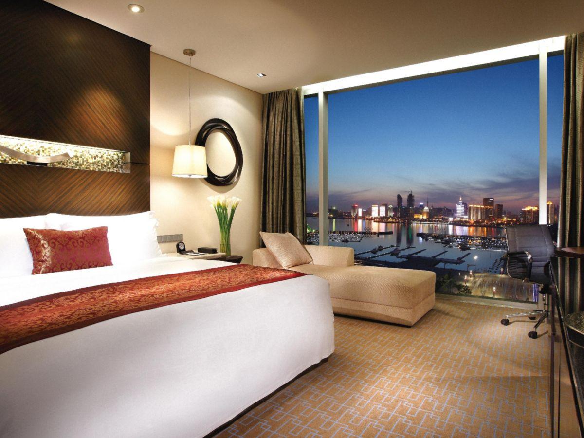 Deluxe King Ocean View Room