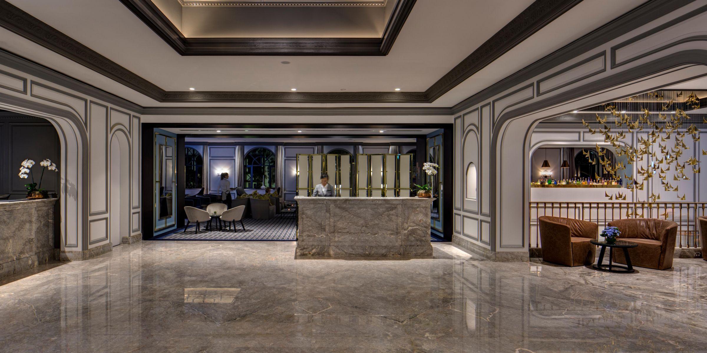 Intercontinental Sydney Double Bay Concierge Entrance Front Desk Hotel Exterior Lobby