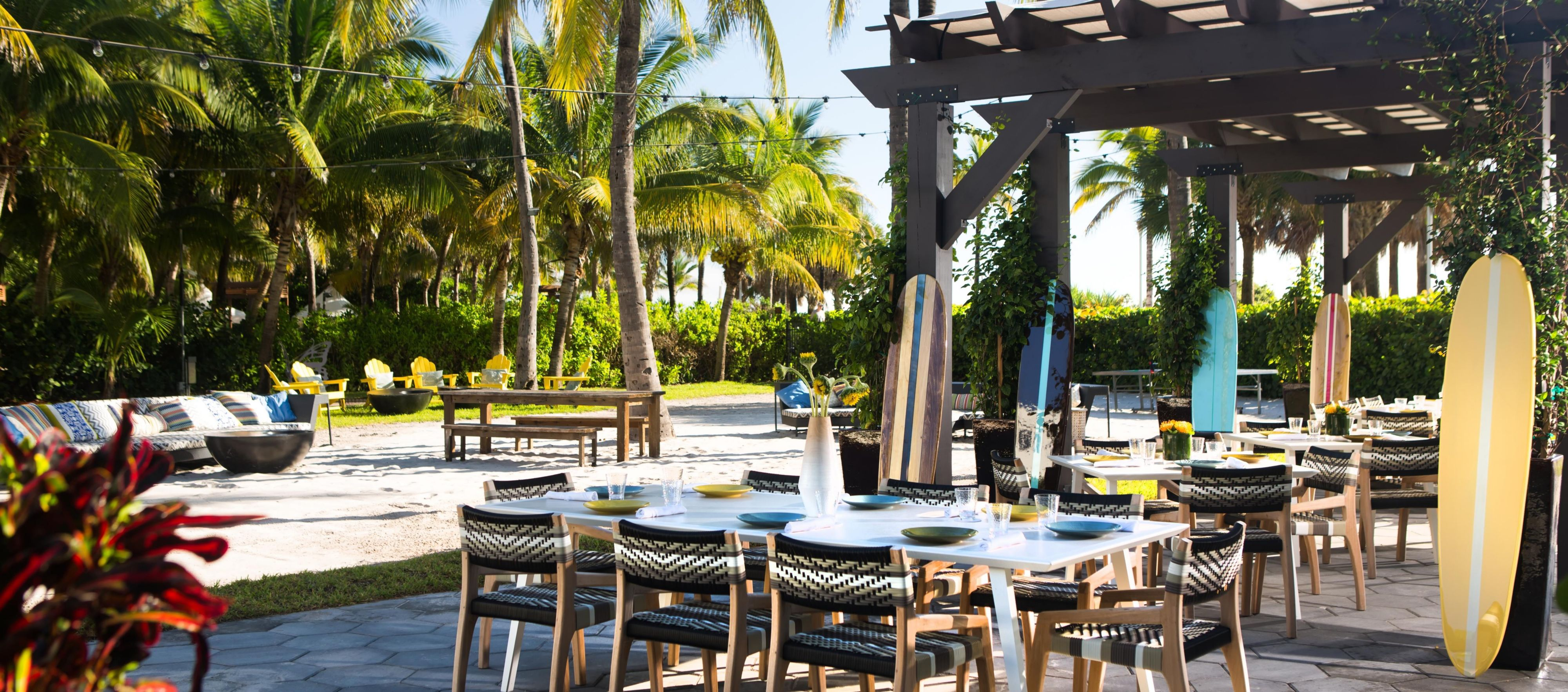 High Tide Miami Beach Bar