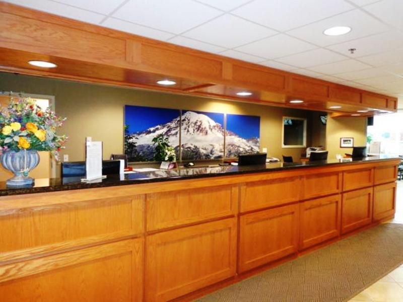 IHG Army Hotel Ft. Lewis-McChord Front Desk