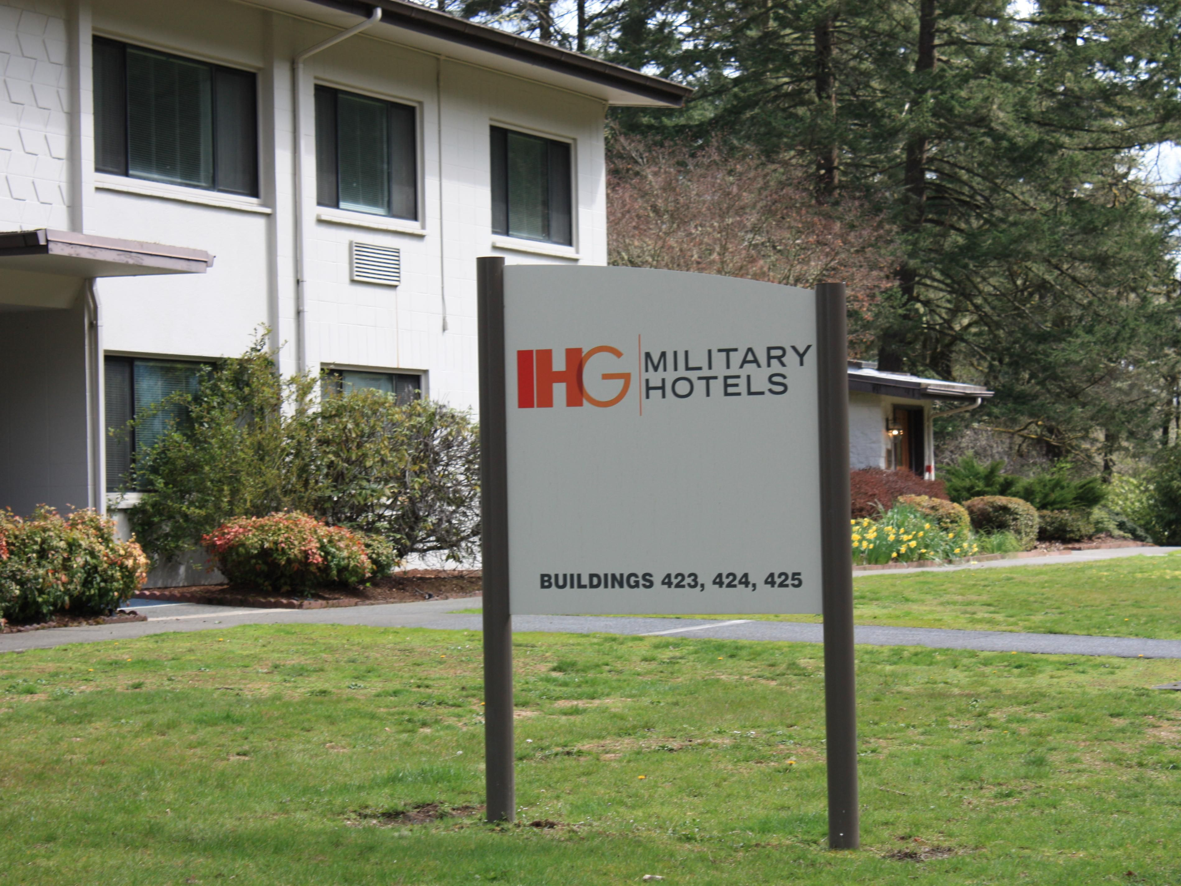 IHG Military Hotels Ft. Lewis-McChord Bldgs 423, 424, 425 Exterior