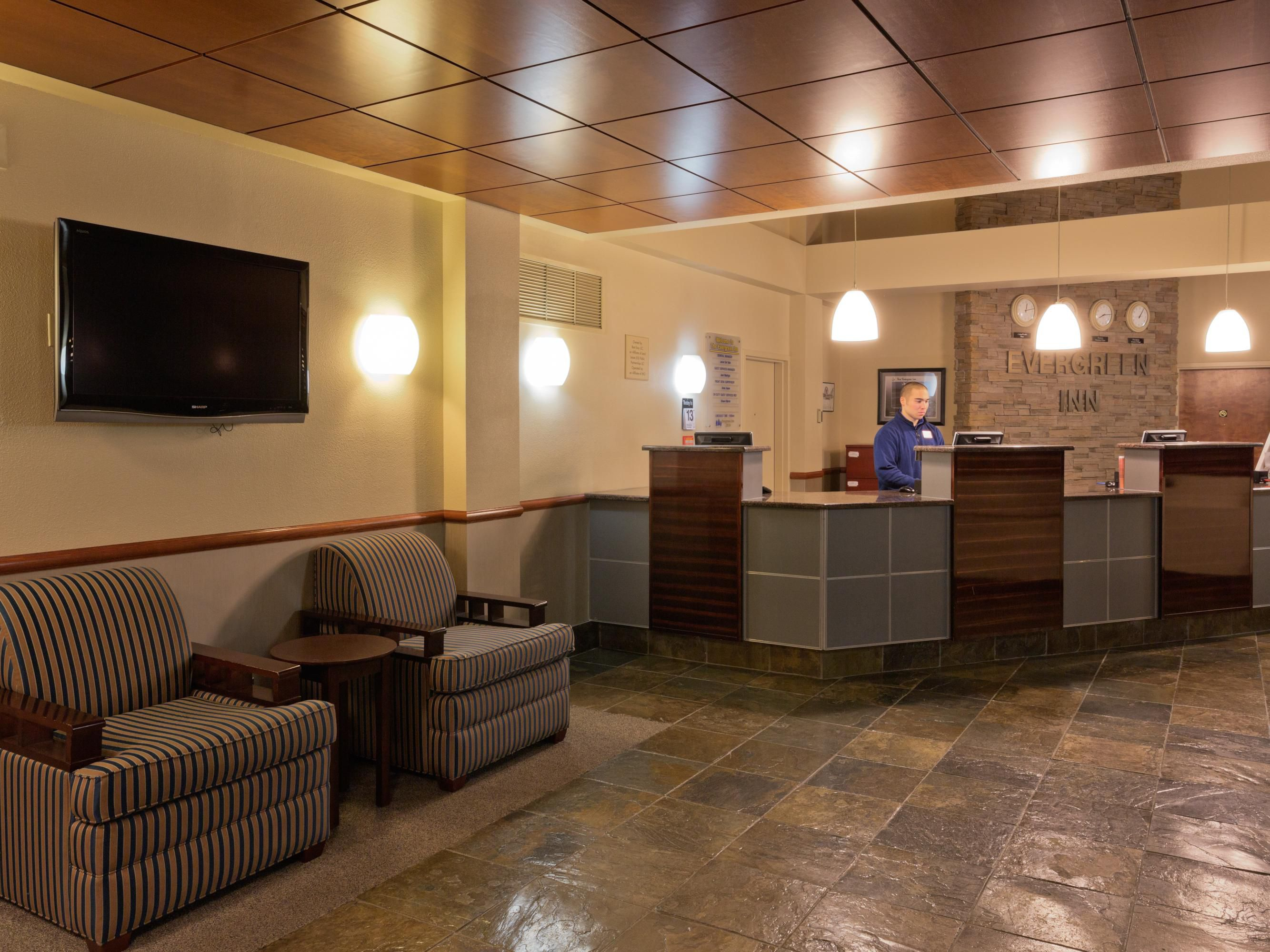 IHG Military Hotel Ft. Lewis-McChord - Evergreen Inn Lobby